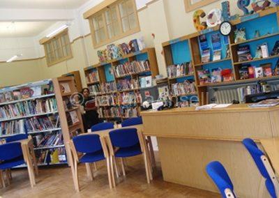 St Francis' College библиотека
