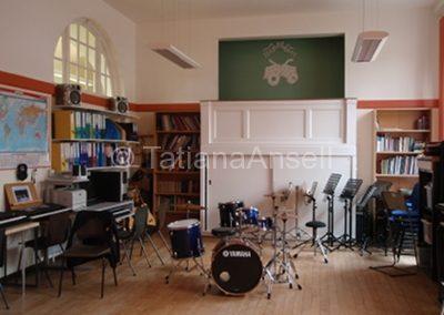 St Francis' College одна из музыкальных комнат