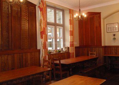 Английская школа-пансион Sedbergh - обеденная комната в общежитии мальчиков.