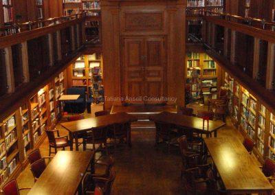 Английская школа-пансион Sedbergh - школьная библиотека.
