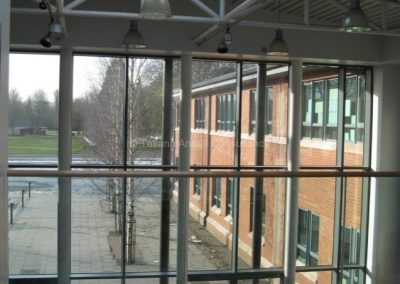 Вид из окна на территорию школы Campbell College