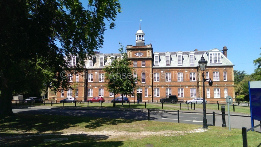 Фоторепортаж о посещении Epsom College