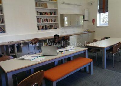 Комната для занятий в общежитии мальчиков Epsom College