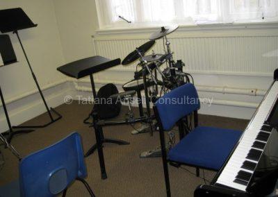 Комната для занятий музыкой в Mill Hill School