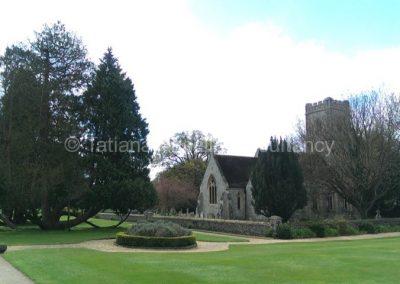 Церковь на территории Калфорд Скул