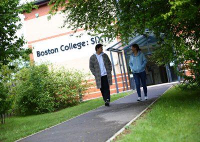 Boston College - здание старших классов