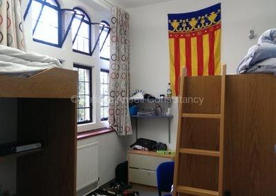 Комната студентов в общежитии школы Leys