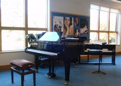 В музыкальном департаменте Woldingham School