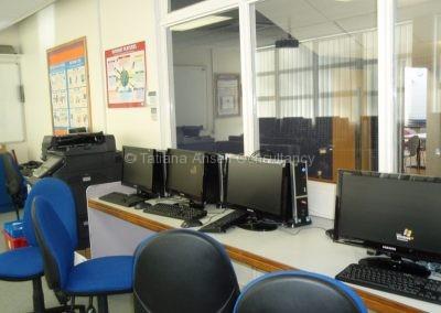 Компьютерная комната в Woldingham School