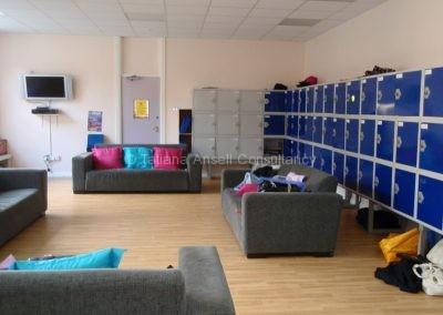 Общая комната для отдыха между уроками в Woldingham School