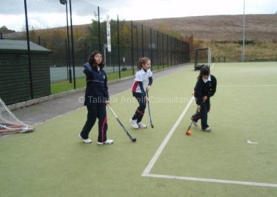 Хоккей на траве в Woldingham School