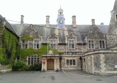 Старинное здание школы St Edmunds Canterbury