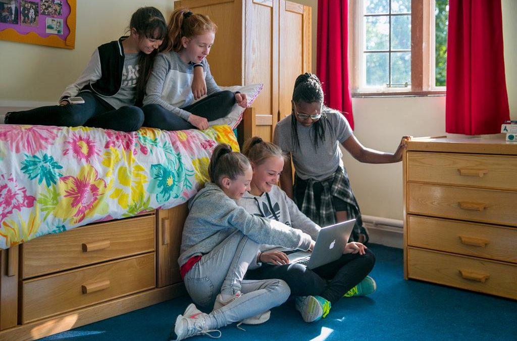 Неожиданные преимущества обучения в школе для девочек