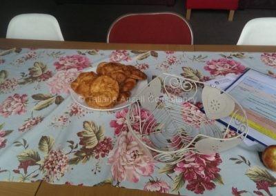 Булочки в кухне общежития для девочек в Дувр Колледж