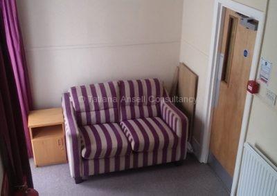 В коридоре общежития для девочек Дувр Колледж