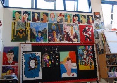 Выставка рисунков студентов Dwight School