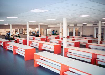Кафетерий в здании для занятий в группах