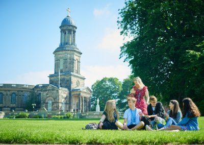 В городском парке - Shrewsbury Colleges Group