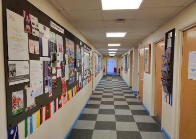 Корридор в East Susex College