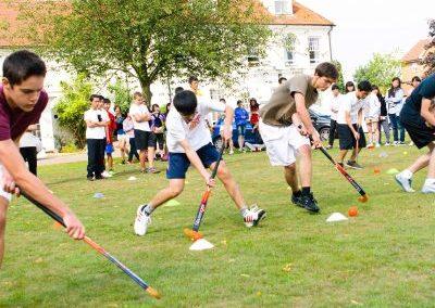 Хоккей на траве в летнем лагере Etherton